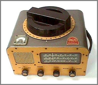 Front/top view of RMCA radio--direction-finding receiver